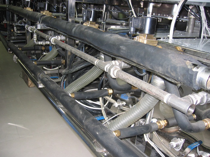 Đường ống thiết bị