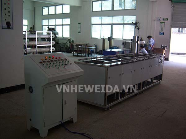 HWD-8132ST  Máy rửa tinh thể lỏng bán tự động